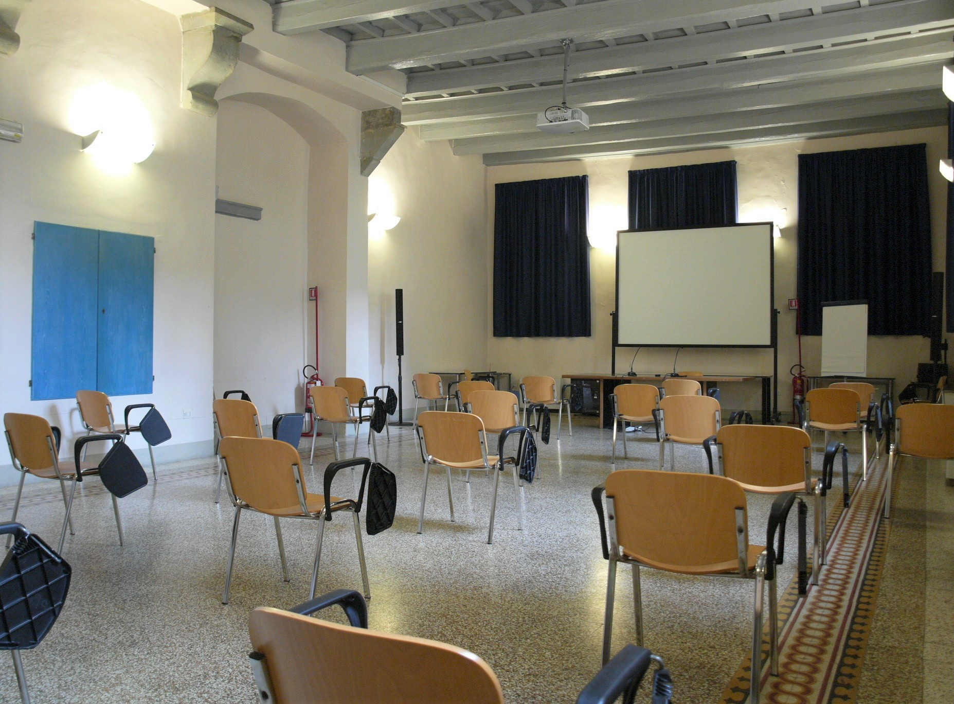 Sala Giglio_dist covid (6).jpg